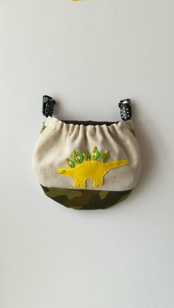 恐竜 刺繍 移動ポケット